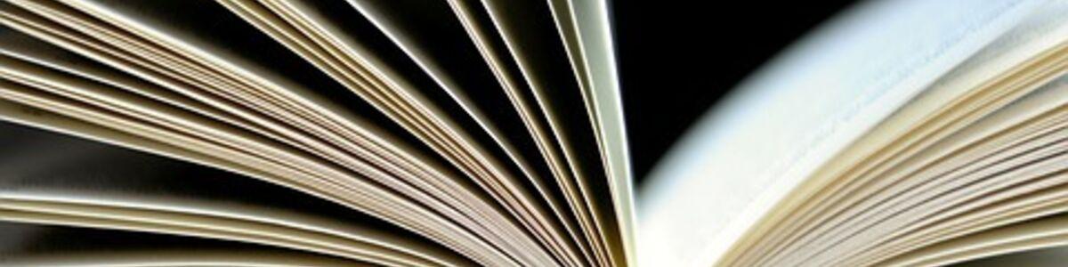 Stak af bøger