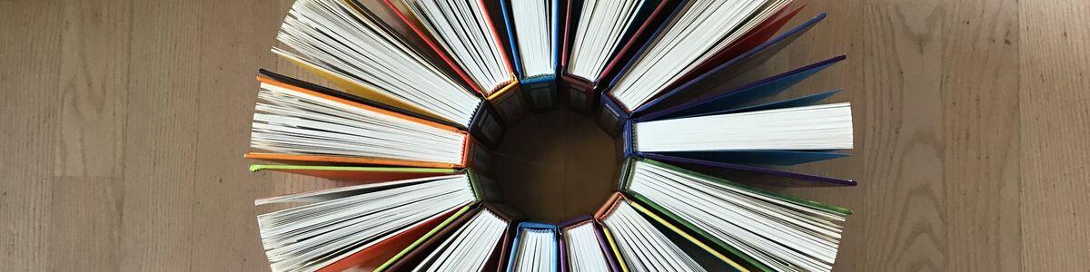 bøger i rundkreds