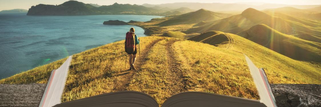Dame vandrer i opslået bog